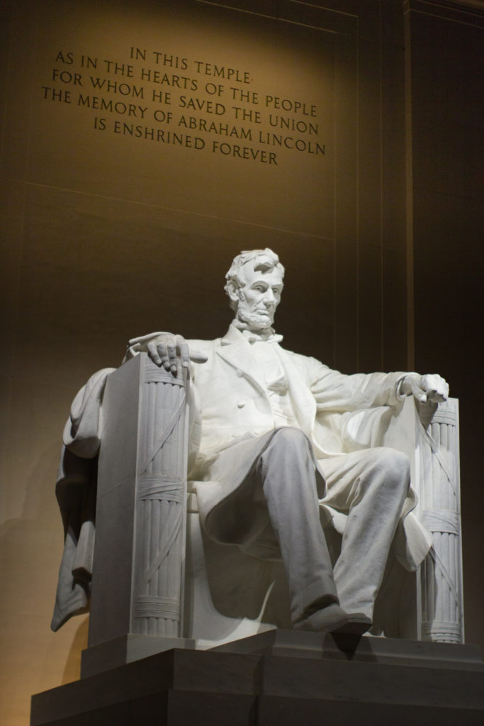 Seeing the Lincoln Monument at night is one of the best free things to do in Washington DC.