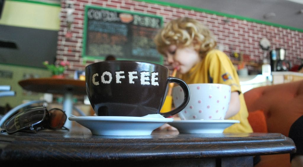 tips for a successful coffee date with kids in tow