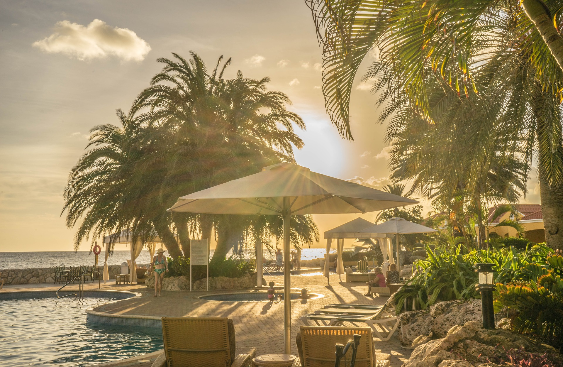 All-Inclusive Vacation: Choosing a Resort or Cruise