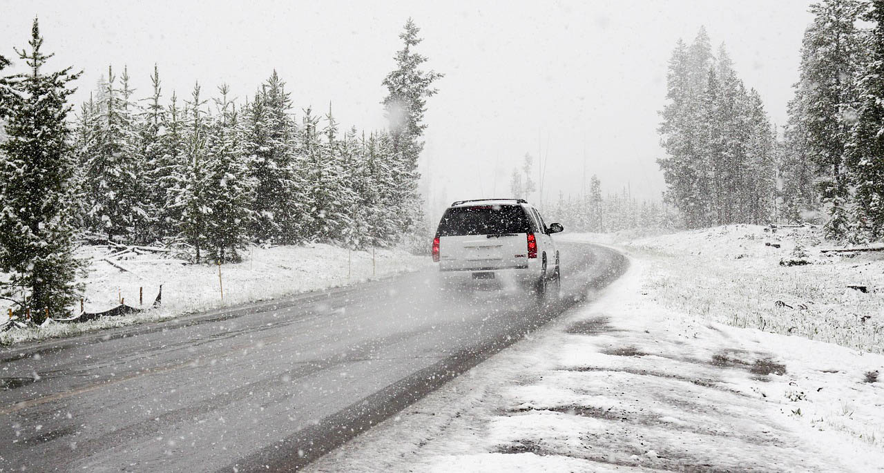Holiday road trip tips for winter driving.