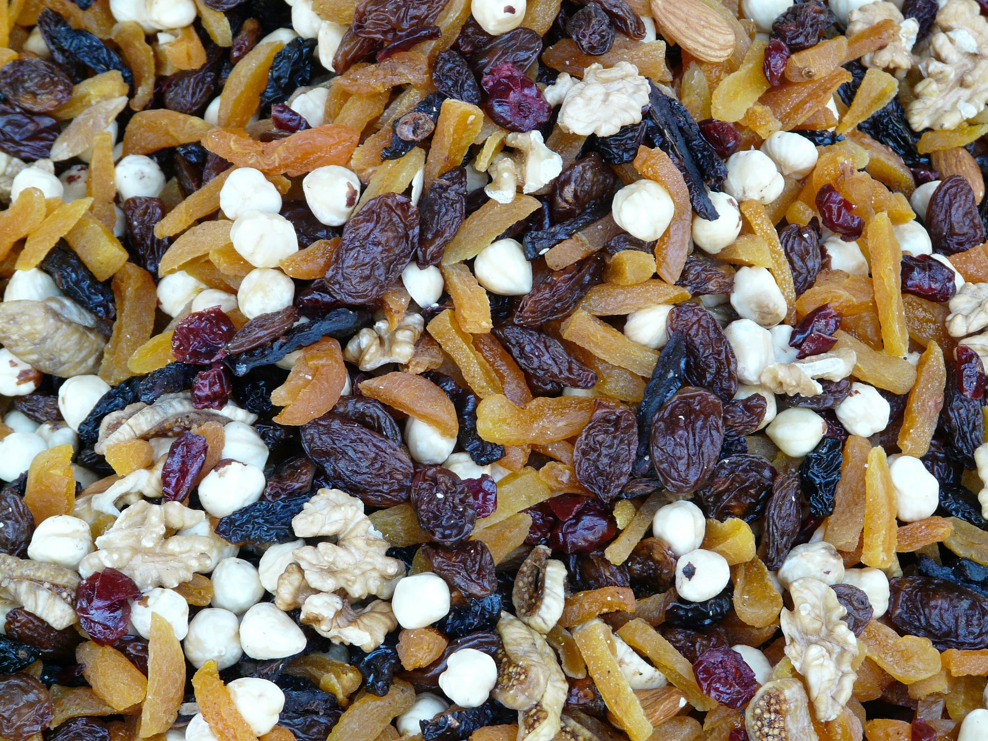 Healthy trail mix recipe includes nuts and fruits.