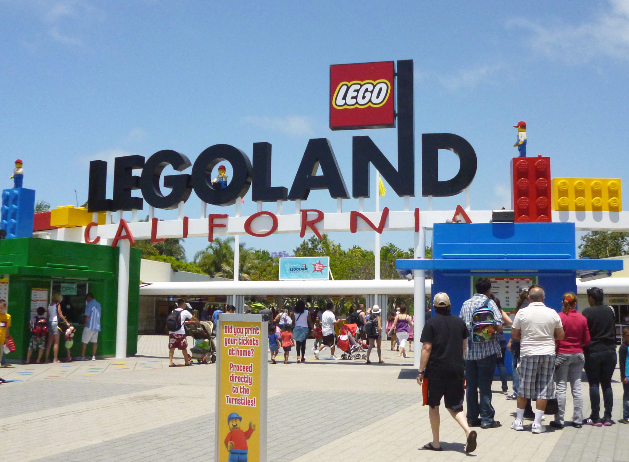 taking kids to legoland in California