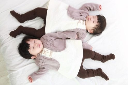 dressing twins alike will make it easier if one gets lots