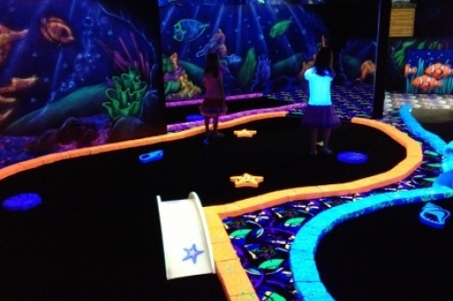 Play A Round at Dubai's First Indoor Mini Golf Course