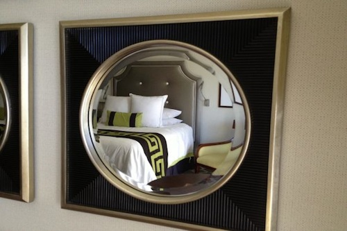 caesars_mirror_bed