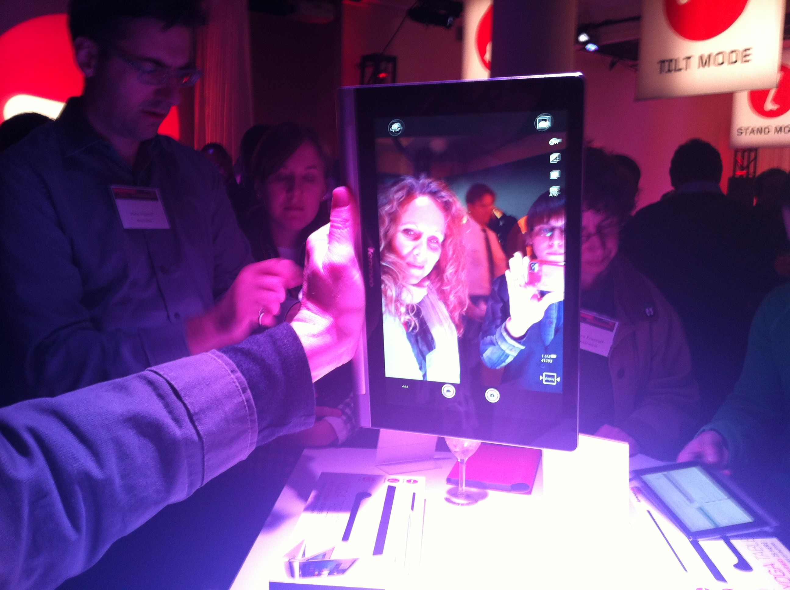 Lenovo Yoga 2 Tablet: Lightweight and Functional