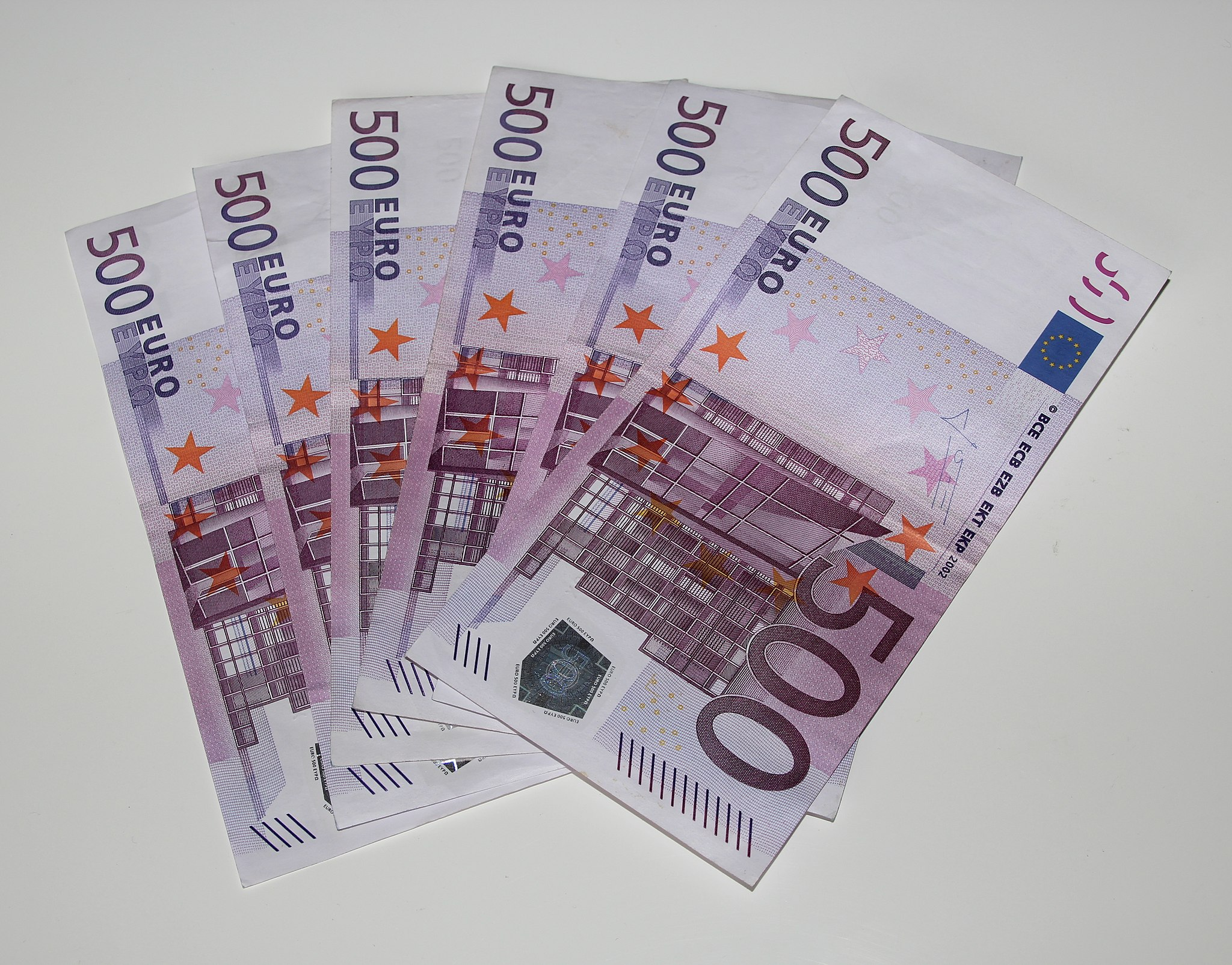 Bring euros from home to save on currency exchange fees in Italy.