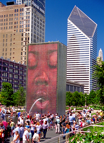 The Crown Foundation is a joyful place on warm days in Chicago. Photo credit: Russavia on Wikimedia Commons