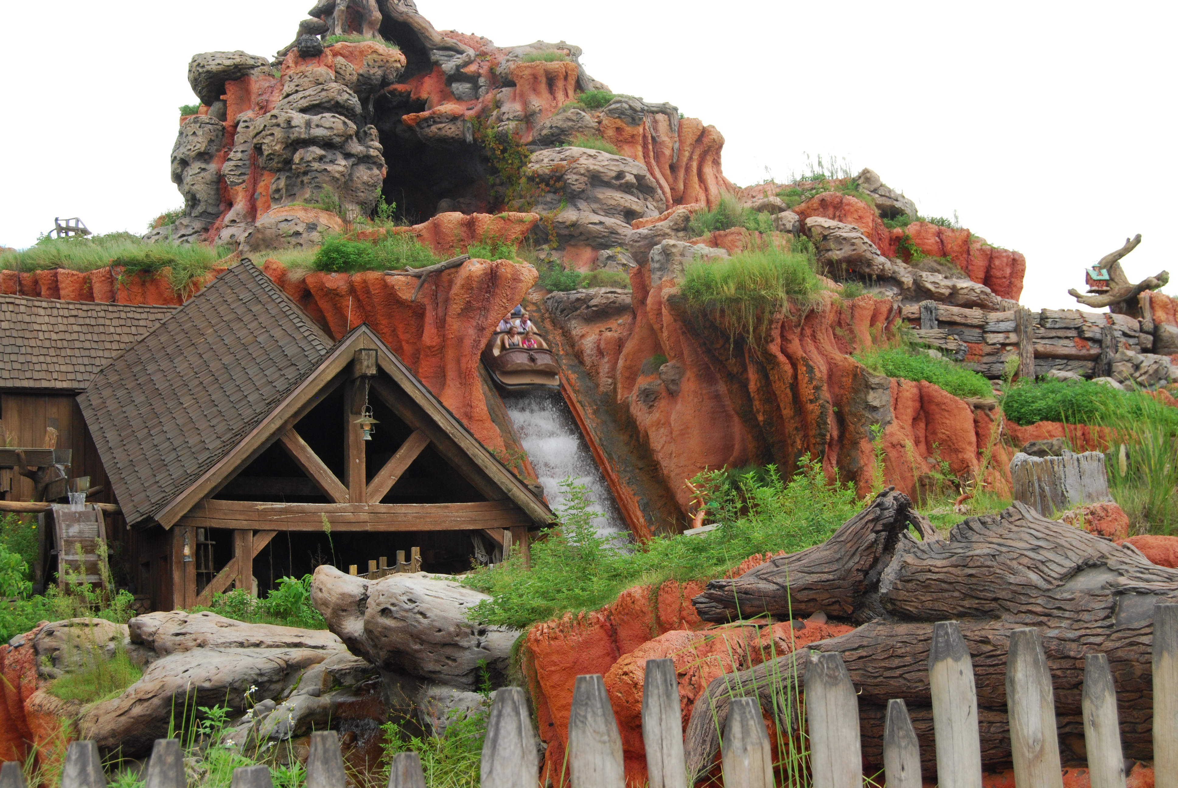 Splash Mountain at Disney's Magic Kingdom, a not to be missed ride to include on your one day itinerary