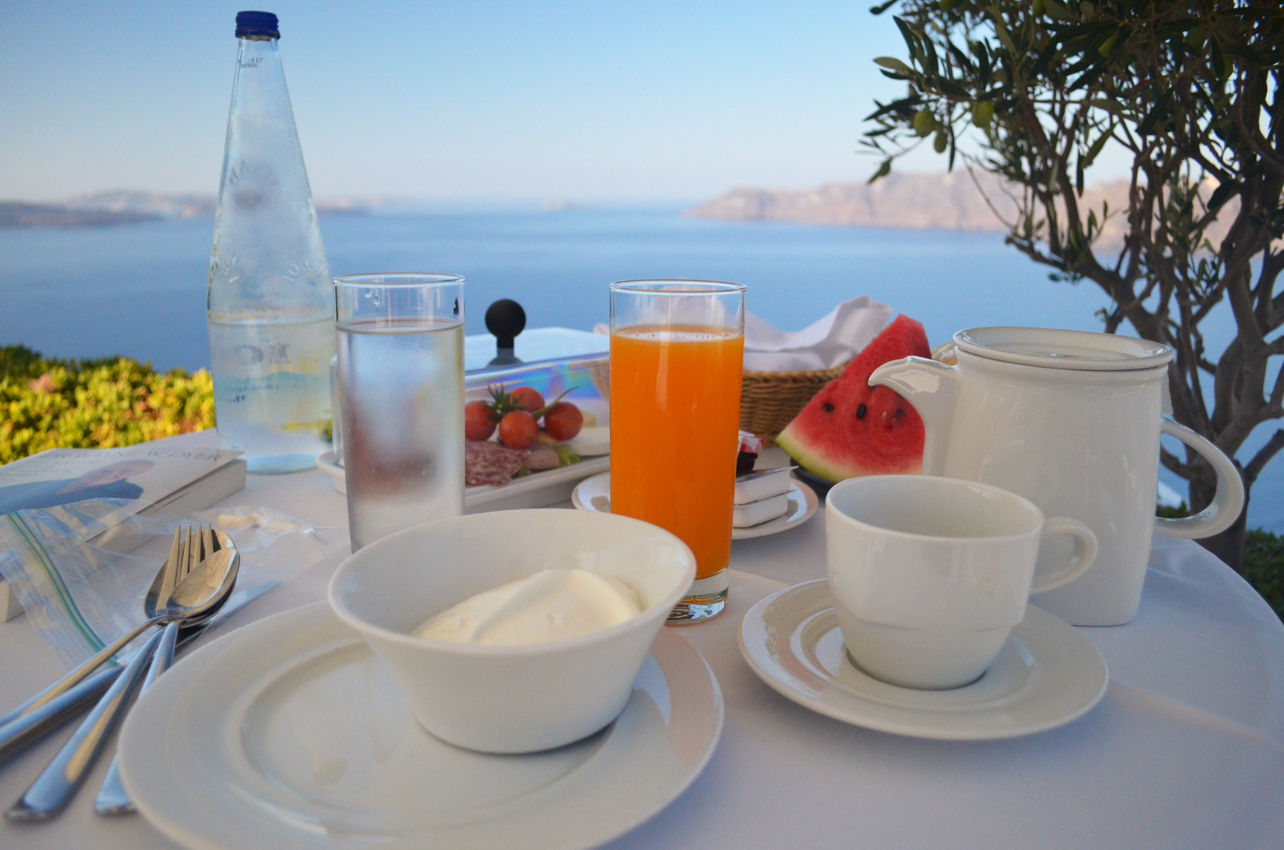 is greece a good place to go traveling solo