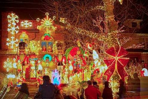 Dyker Heights Christmas lights - TravelingMom