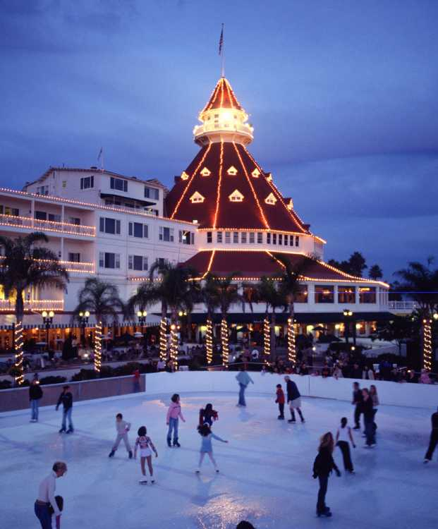 Places To Visit In Christmas Island: Holiday Lights Celebrate Christmas L West Coast & Hawaii