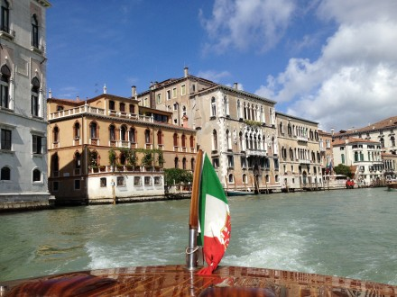 Great Way to See a City – Take a Boat Ride