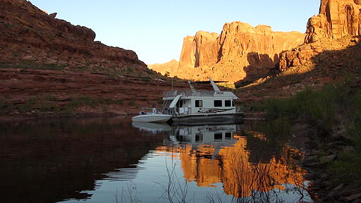 Houseboat for trash tracker Lake Powell program
