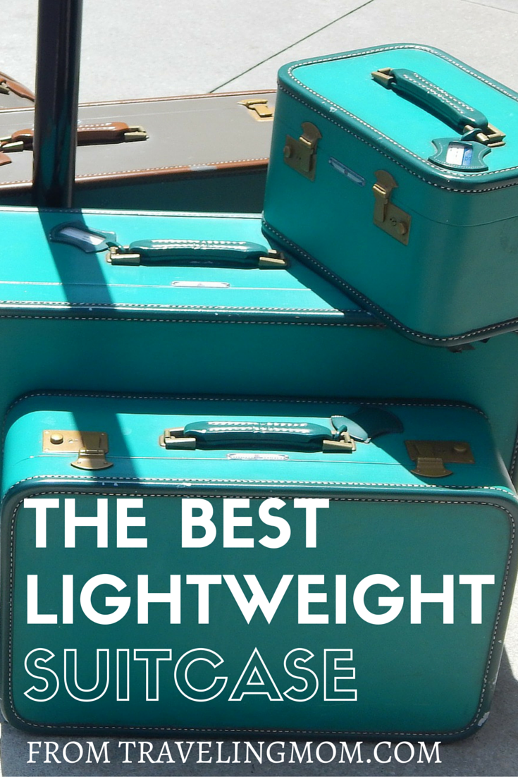 Need a great lightweight carry on suitcase for #travel that even a child can push? Check out this reivew of the lightweight carry on luggage from Ricardo. #luggage #familytravel