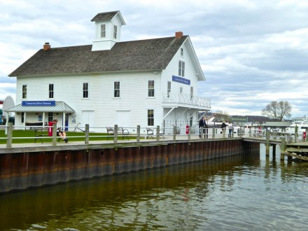 Connecticut River Museum, photo: Angela History Buff TravelingMom