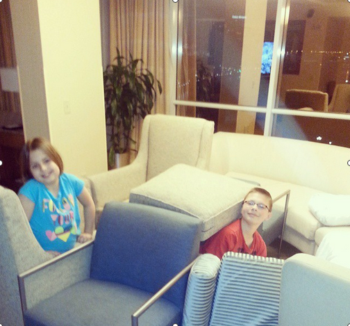 The kids make the most of our suite upgrade at the Hyatt Baltimore.  Photo by Travel Hack TMOM