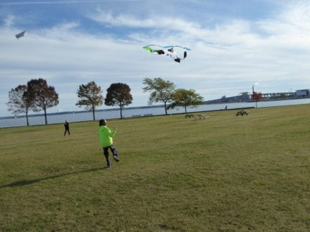 Photo by Jamie Bartosch/Suburban TravelingMom Fly kites along the lakefront in downtown Milwaukee, Wisconsin.