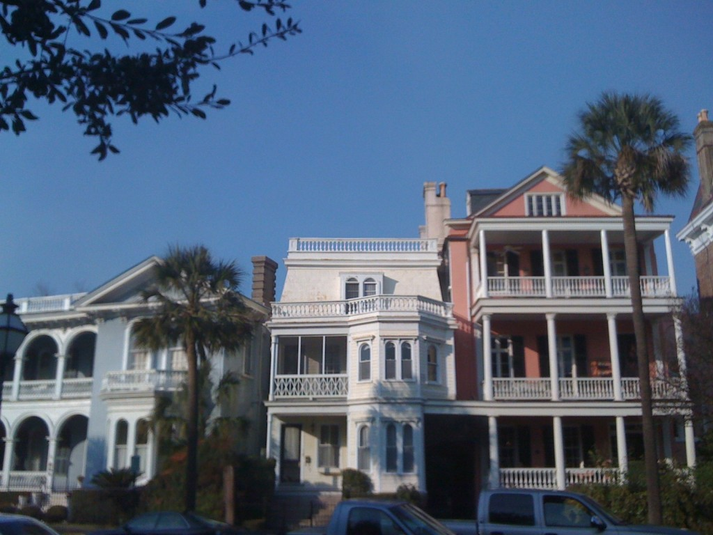 Graceful mansions in Charleston (Photo Philadelphia Traveling Mom Sarah Ricks)