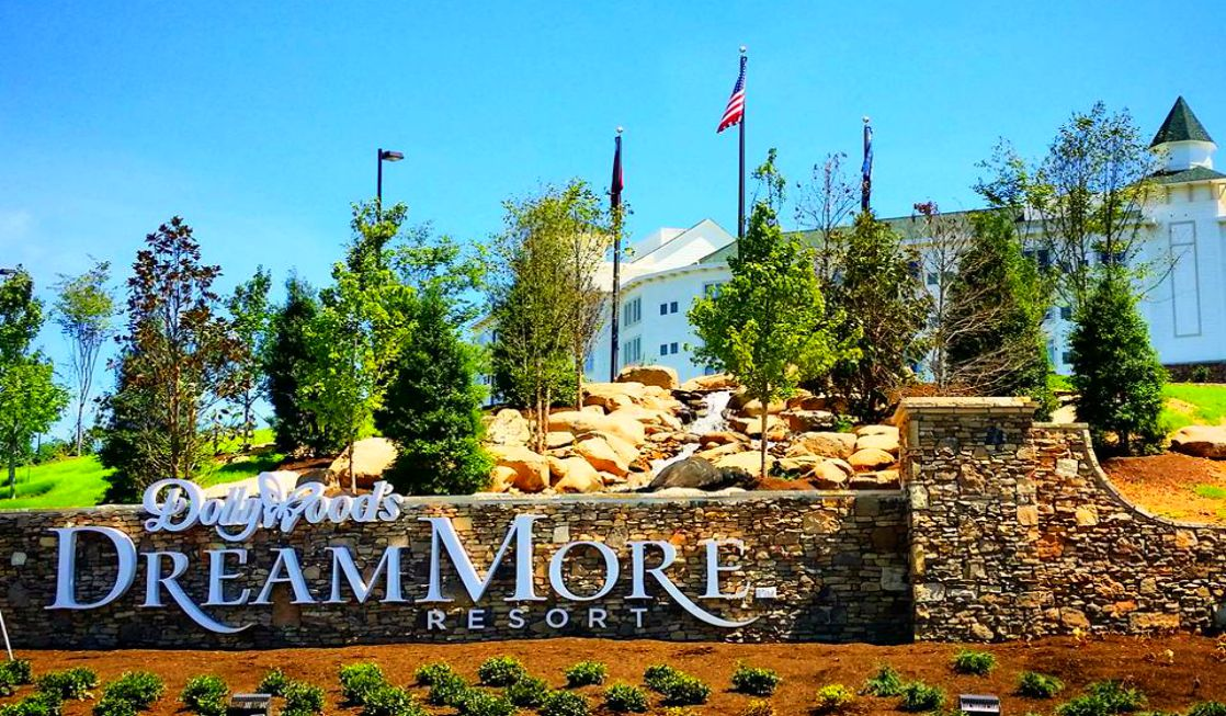 Dollywood S Dreammore Resort In Pigeon Forge Tennessee