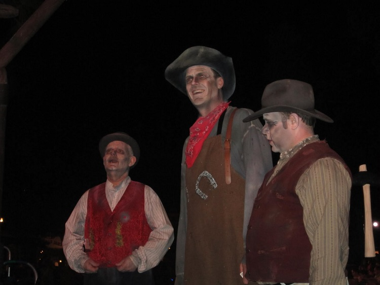 The Cadaver Dans are spooky singers in Fronteirland at MNSSHP, Photo Courtesy of Brandy Bocchino