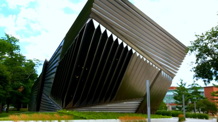 Eli & Edythe Broad Art Museum in East Lansing, MIchigan. Photo Credit Mary Moore / Retro TravelingMom