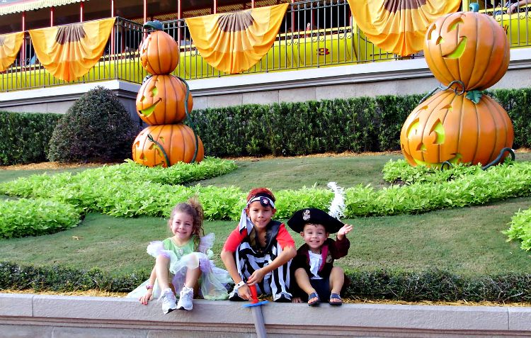mickeys halloween party costume ideas and tips