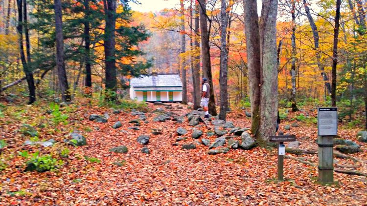 A cabin in the Smokies near Gatlinburg, on Roaring Fork Loop, Photo Courtesy of Teronya Holmes