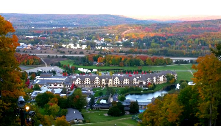 Boyne Mountain in the Fall. Photo Credit: Mary Moore / Retro TravelingMom