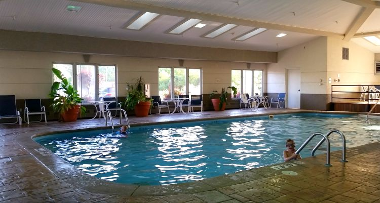 The pool at the Holiday Inn Express - Port Clinton. Photo by Mary Moore / Retro TravelingMom