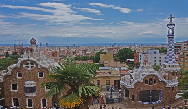 Making the most of the layover: Seeing Park Guel in Barcelona Spain