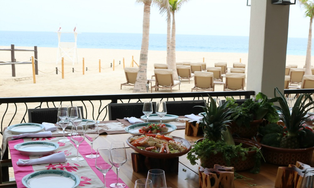 Beach Front Dining at Zafiro-Traveling Mom