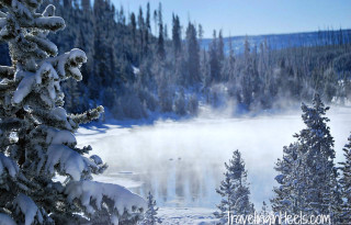 Shoulder season travel deals include winter vacation in Yellowstone National Park Photo: Diana Rowe / Traveling Grandmom