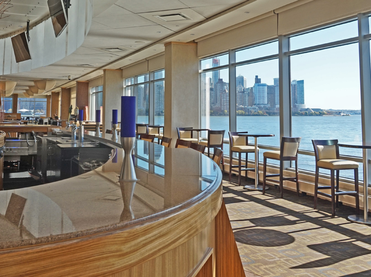 Restaurant at Hyatt Regency Jersey City on the Hudson - photo by Yvonne Jasinski