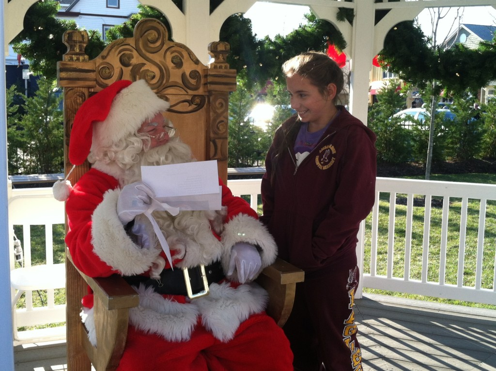 You won't need to give your list to the Big Man. Just come to the #TMOM Twitter party to hear about the best gifts for travelers! Photo by Mary Lebeau, EastCoast TMOM