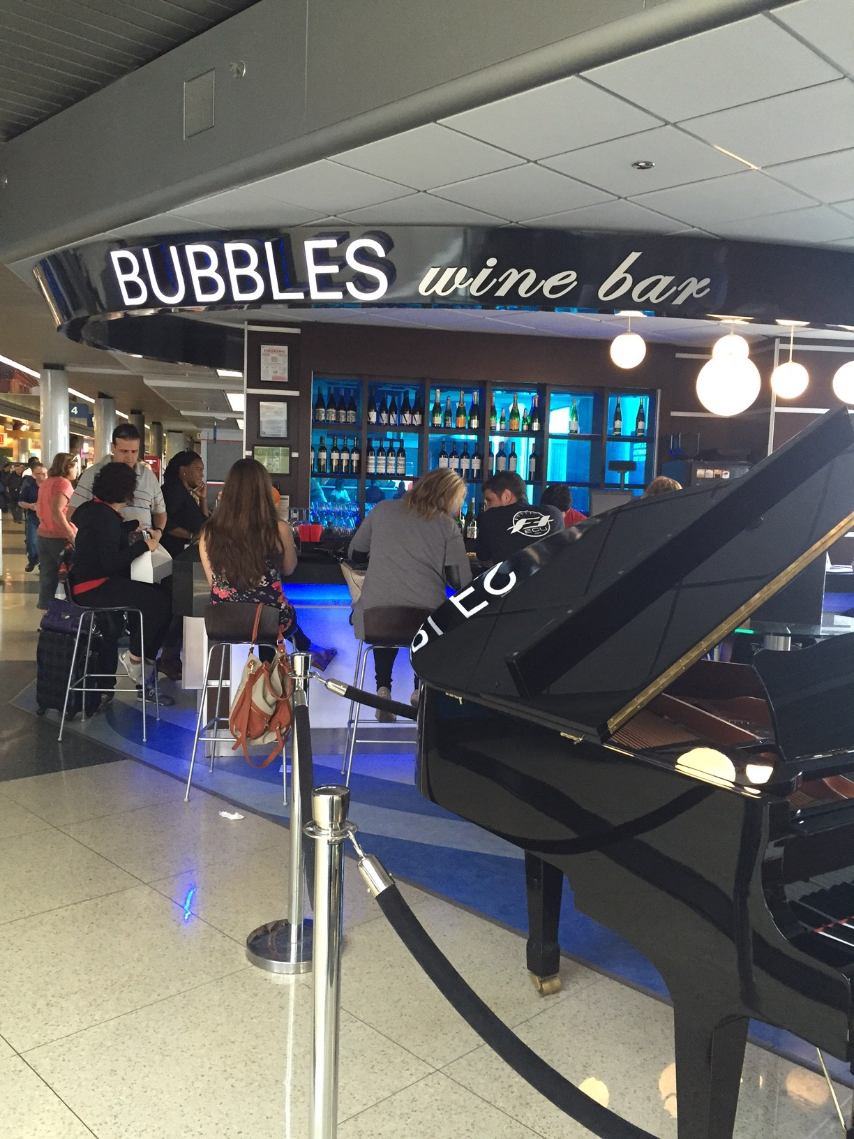 How To Enjoy Your Time At Chicago O'Hare Airport | Traveling Mom