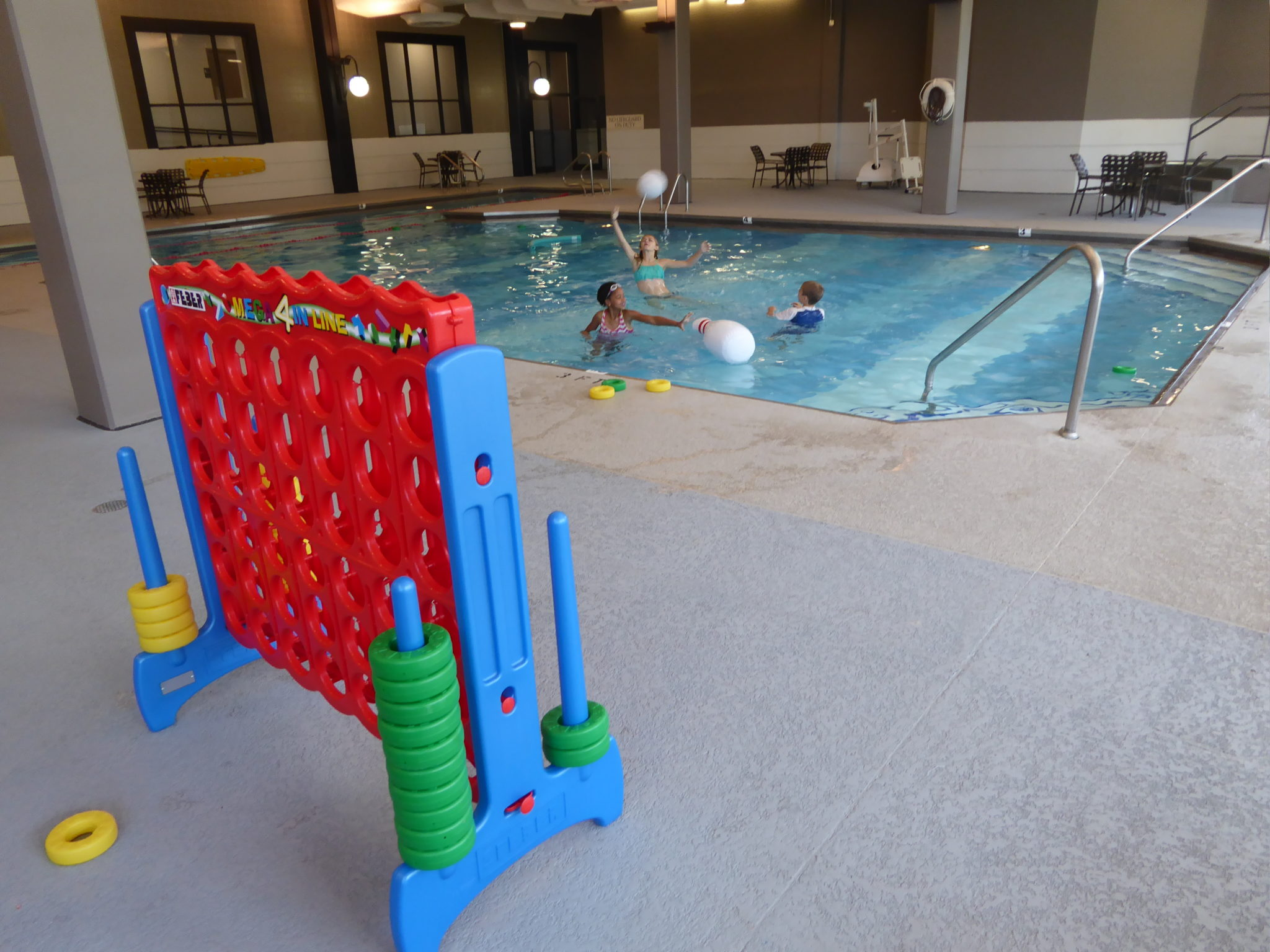 Hotel Review A Great Pool At The Hilton Chicago Oak Brook Hills