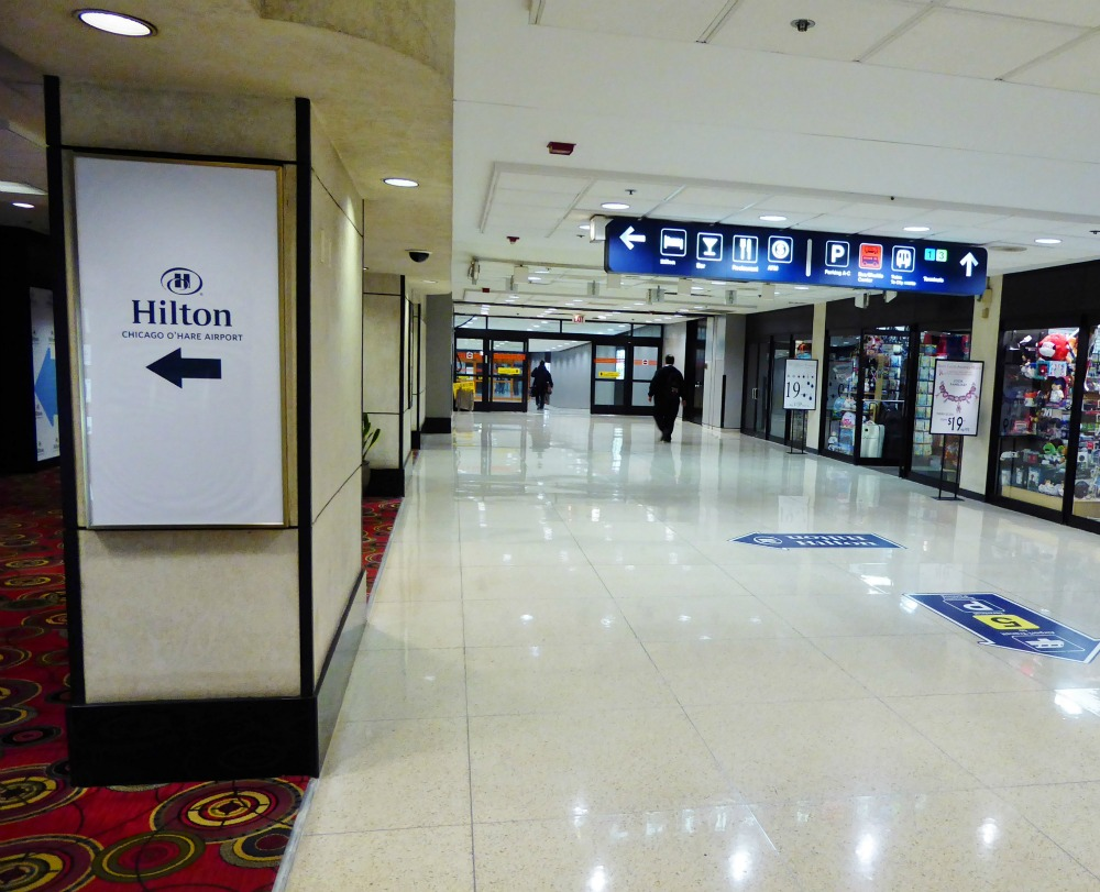 It's an easy walk from O'Hare Airport to the Hilton O'Hare.