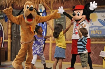 Surf's Up Breakfast with Mickey & Friends at Disney's PCH Grill. Photo credit: Disneyland Resort.