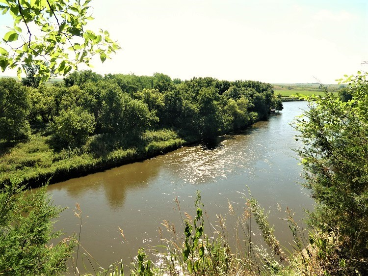 View of Big Sioux River at Good Earth State Park - just one of many free things to do in Sioux Falls, SD