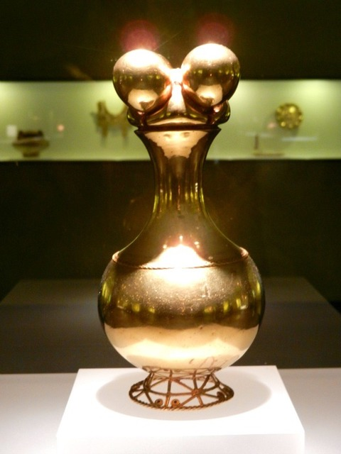 Poporo artifact at Museo del Oro - Bogota Photo credit: Maria Rubio