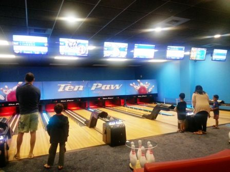 Ten Paw Alley Bowling. Photo credit: Gwen Kleist, Healthy TravelingMom.