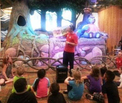 Story Time happens nightly at Great Wolf Lodge. Photo credit: Gwen Kleist, Healthy TravelingMom.