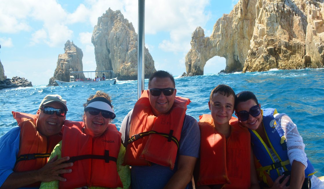 Cabo San Lucas: Ideal Destination for Families with Teens