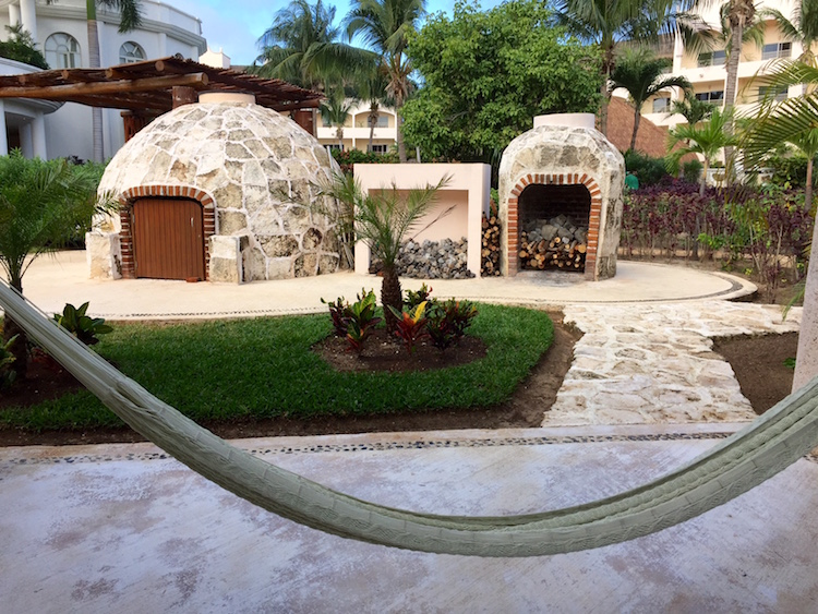 Hotel Review: Excellent Excellence Riviera Cancun Is for Adults Only