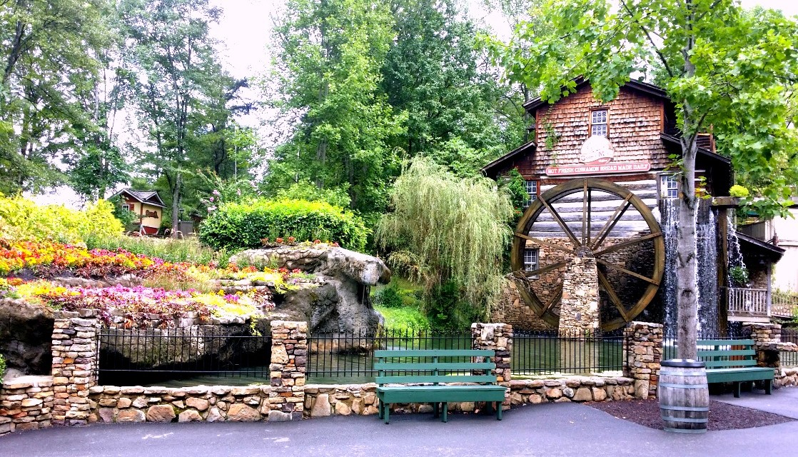 7 Reasons to Play at Dollywood Summer 2016
