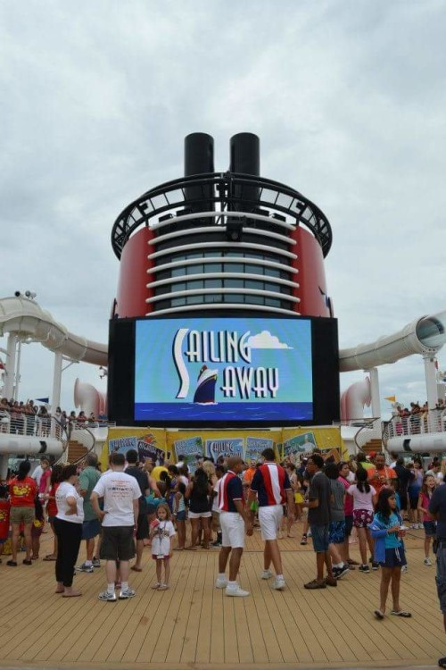 Join the #TMOM Twitter party all about cruising.