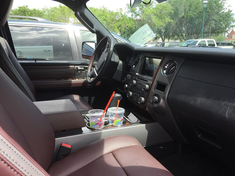 Interior of the 2016 Ford Expedition.