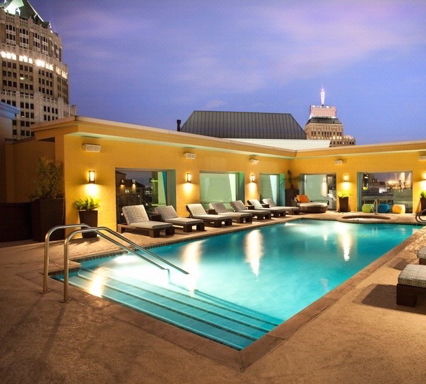 The rooftop pool at Hotel Contessa thrills my kids who haven't swam this high before. Hotel Review Hotel Contessa,