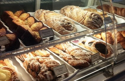 The Gasparilla Island Grill has a wide selection of inexpensive pastries, meals and drinks. Photo credit: Gwen Kleist, Healthy TravelingMom.